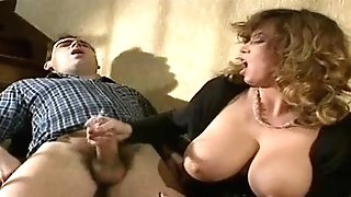 TRACEY ADAMS TUGJOB AND MONEY-SHOT ON TITS...