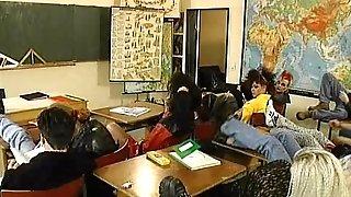 Gli esami anali delle liceali (three of four)